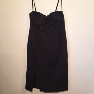 Dresses & Skirts - Bustier embroidered dress